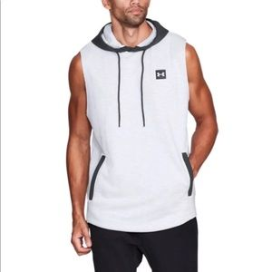 XL OR XXL UNDER ARMOUR SLEEVELESS HOODIE